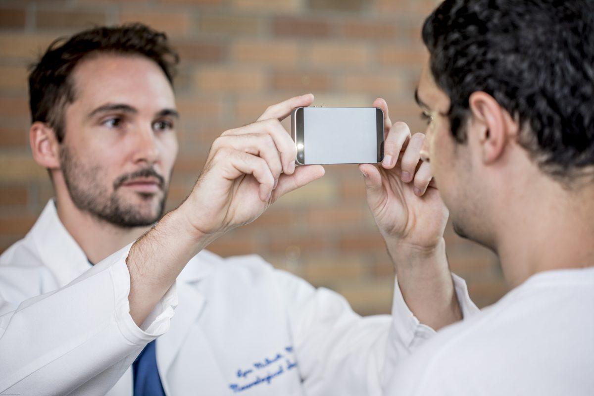 Lector de pupilas a través del móvil